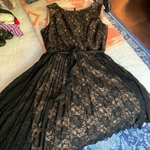 ❤️ New! Wear anywhere! LBD lace and pleated